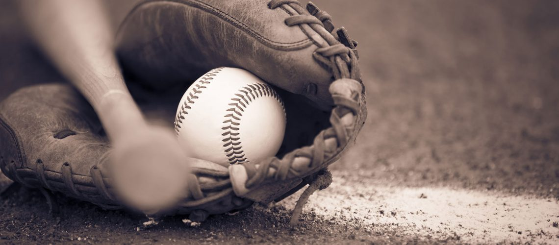 Ball_Baseball_bat_Glove_510486_3840x2400